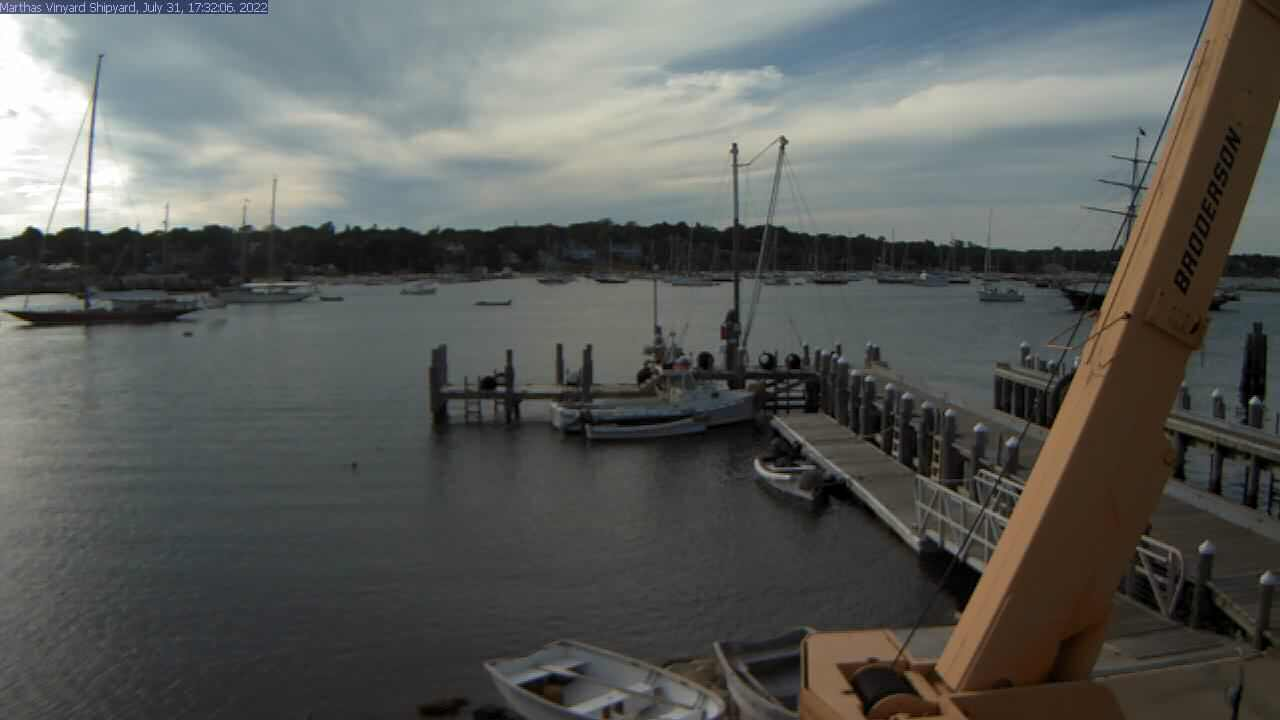 Martha's Vineyard Shipyard Webcam on Vineyard Haven Harbor
